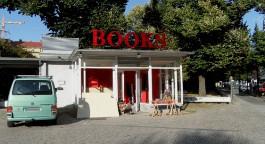 BOOKS: Pavillon am Rosa-Luxemburg-Platz
