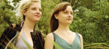 """Lena Urzendowsky und Jella Haase in """"Kokon"""""""